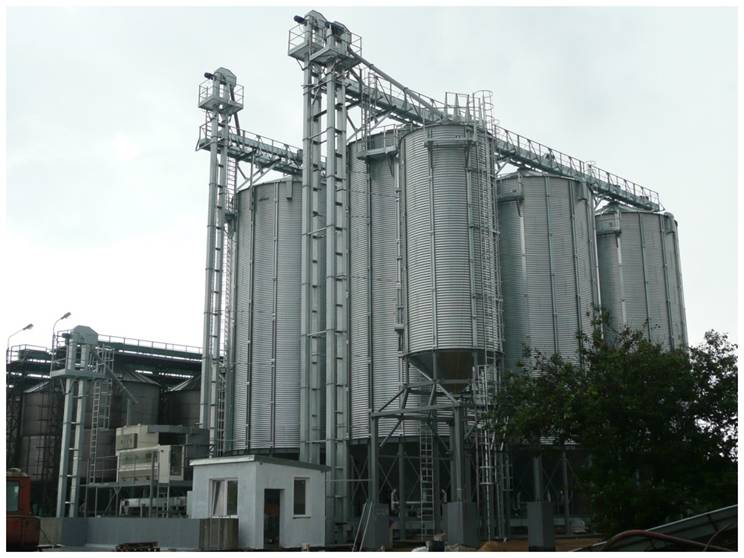 Hopper bottom silos   Slav Chains components for agriculture